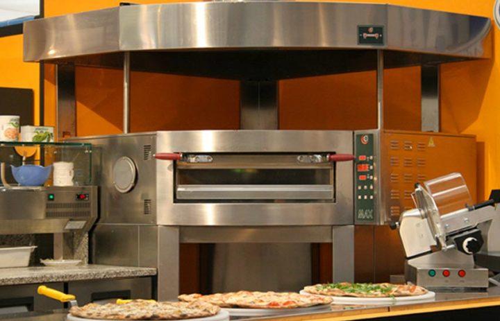 attrezzatura-professionale-per-pizzeria